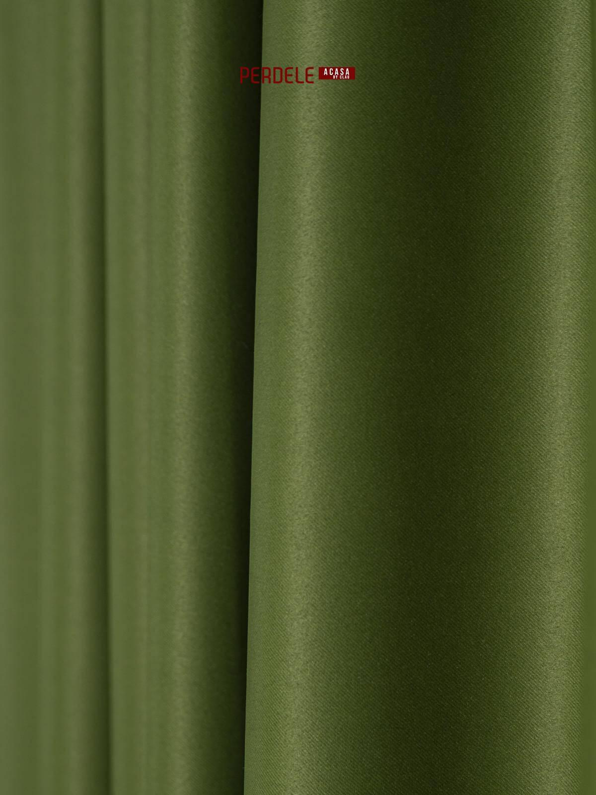 Draperie blackout verde