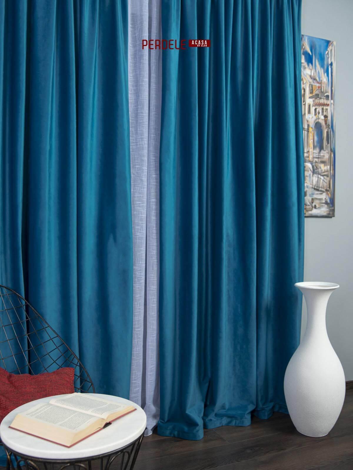 Draperie catifea albastru