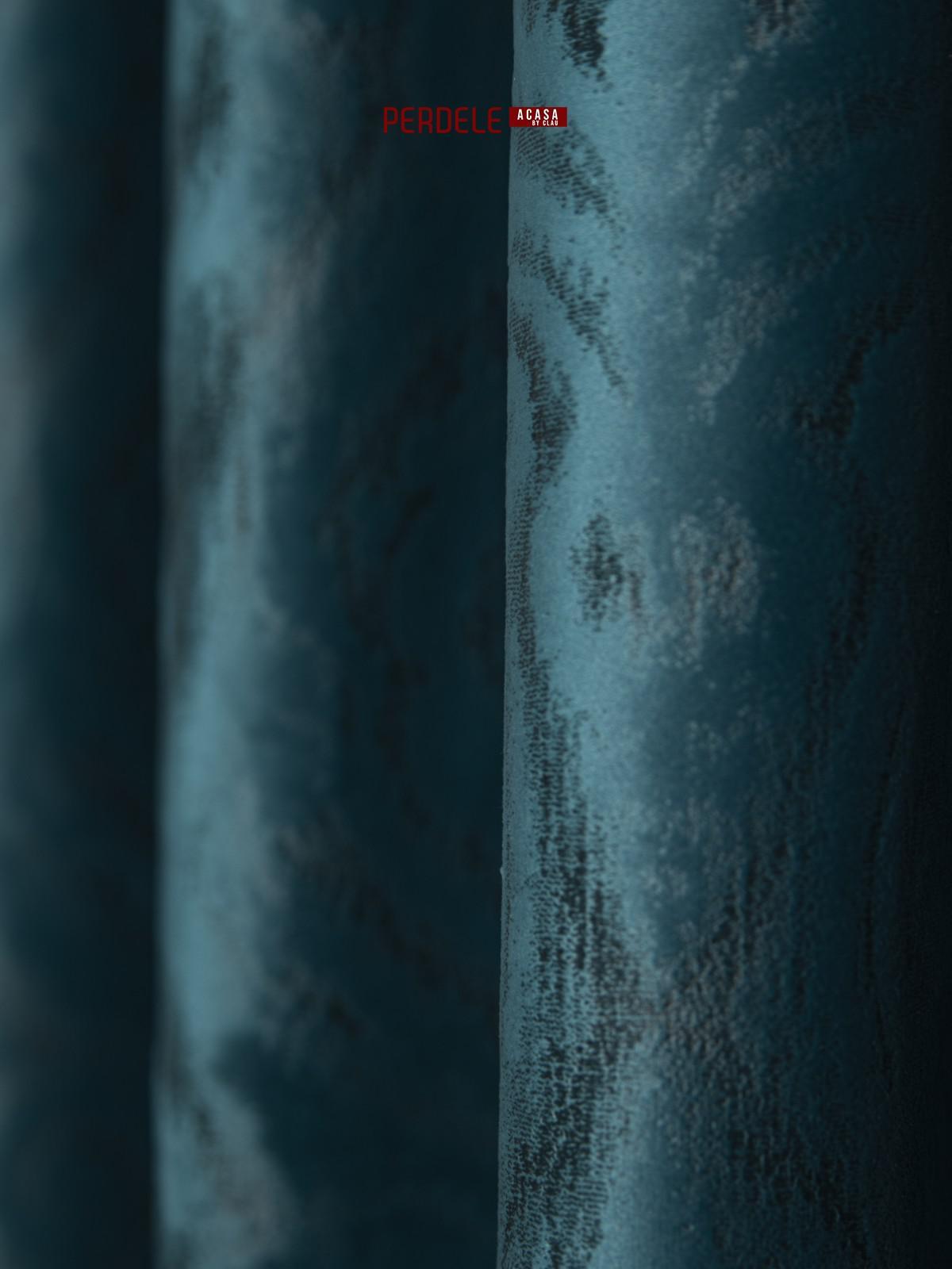 Draperie catifea albastu cu model