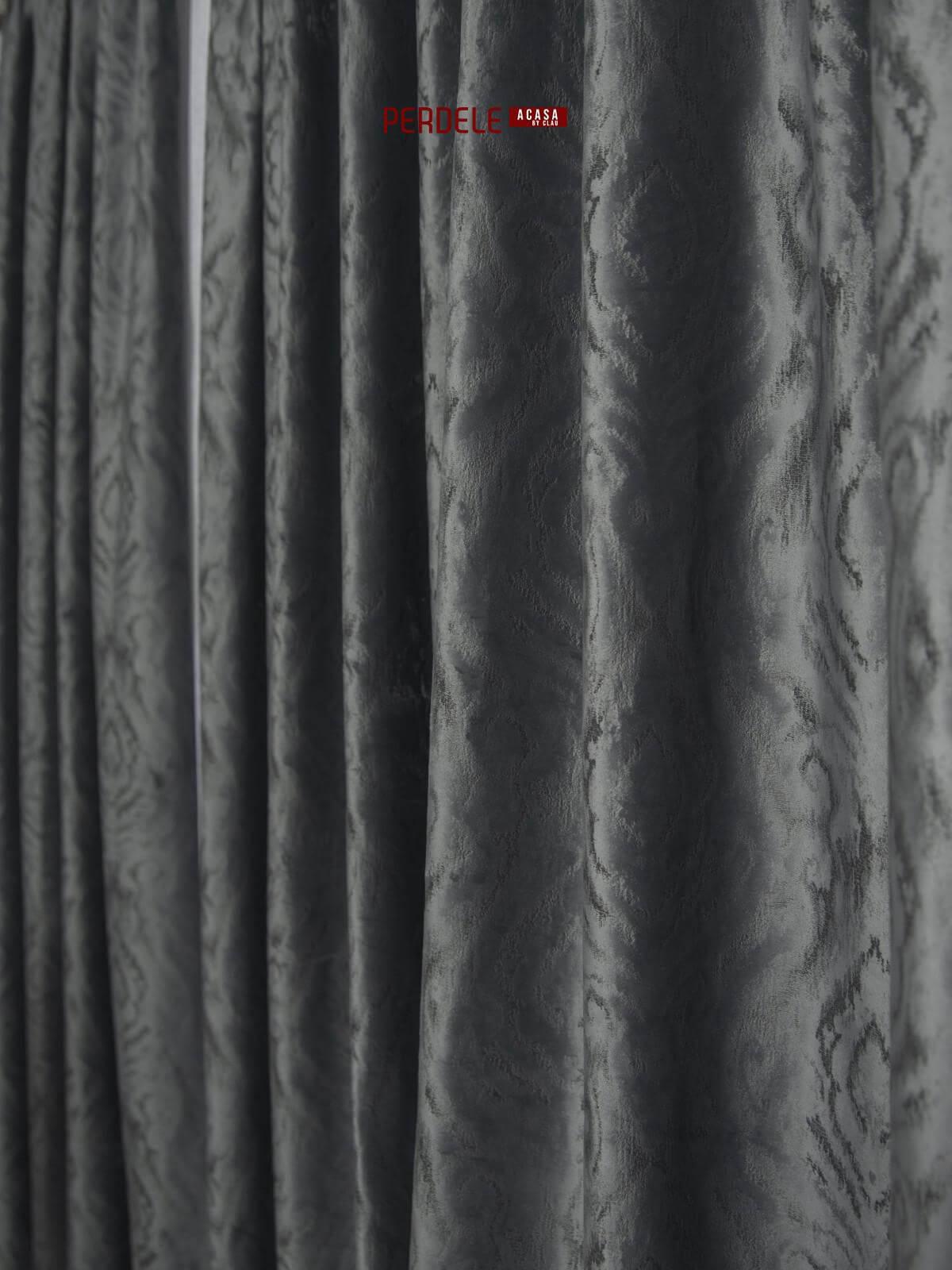 Draperie catifea gri inchis cu model