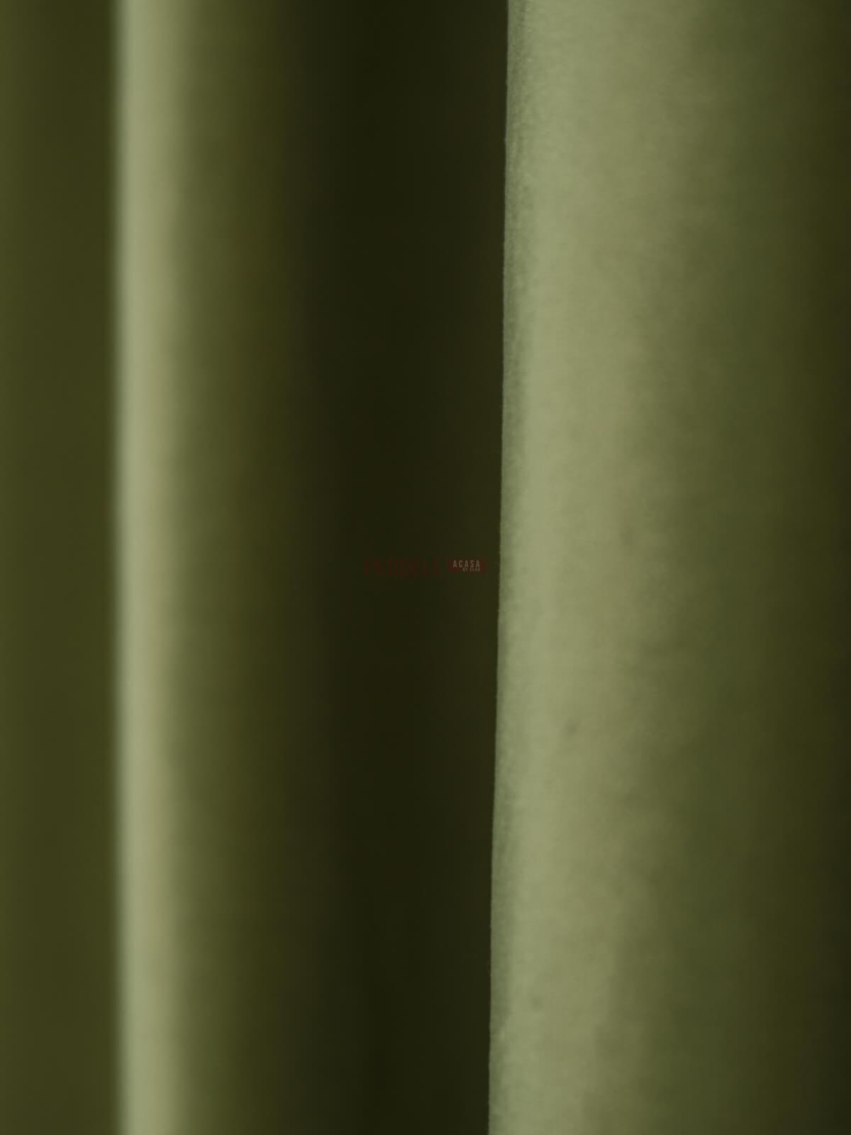 Draperie catifea verde fistic