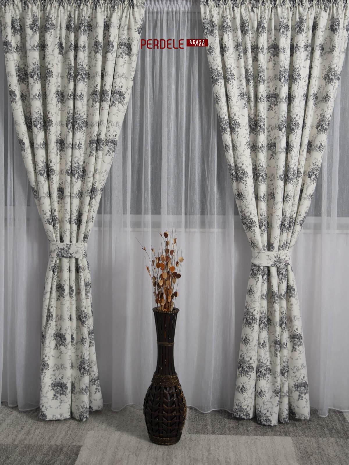 Draperie saten model flori ivoire,gri