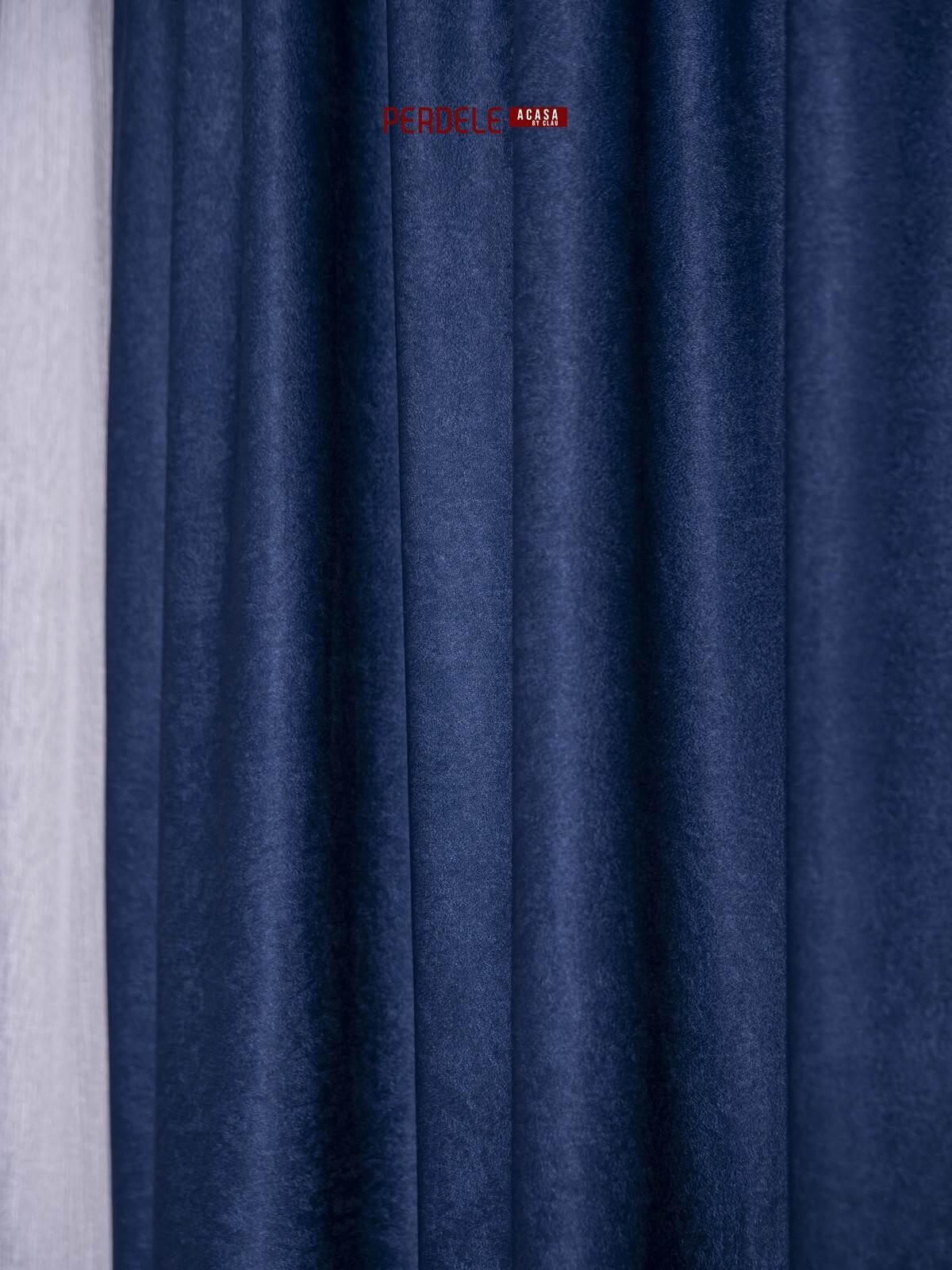 Draperie soft albastru