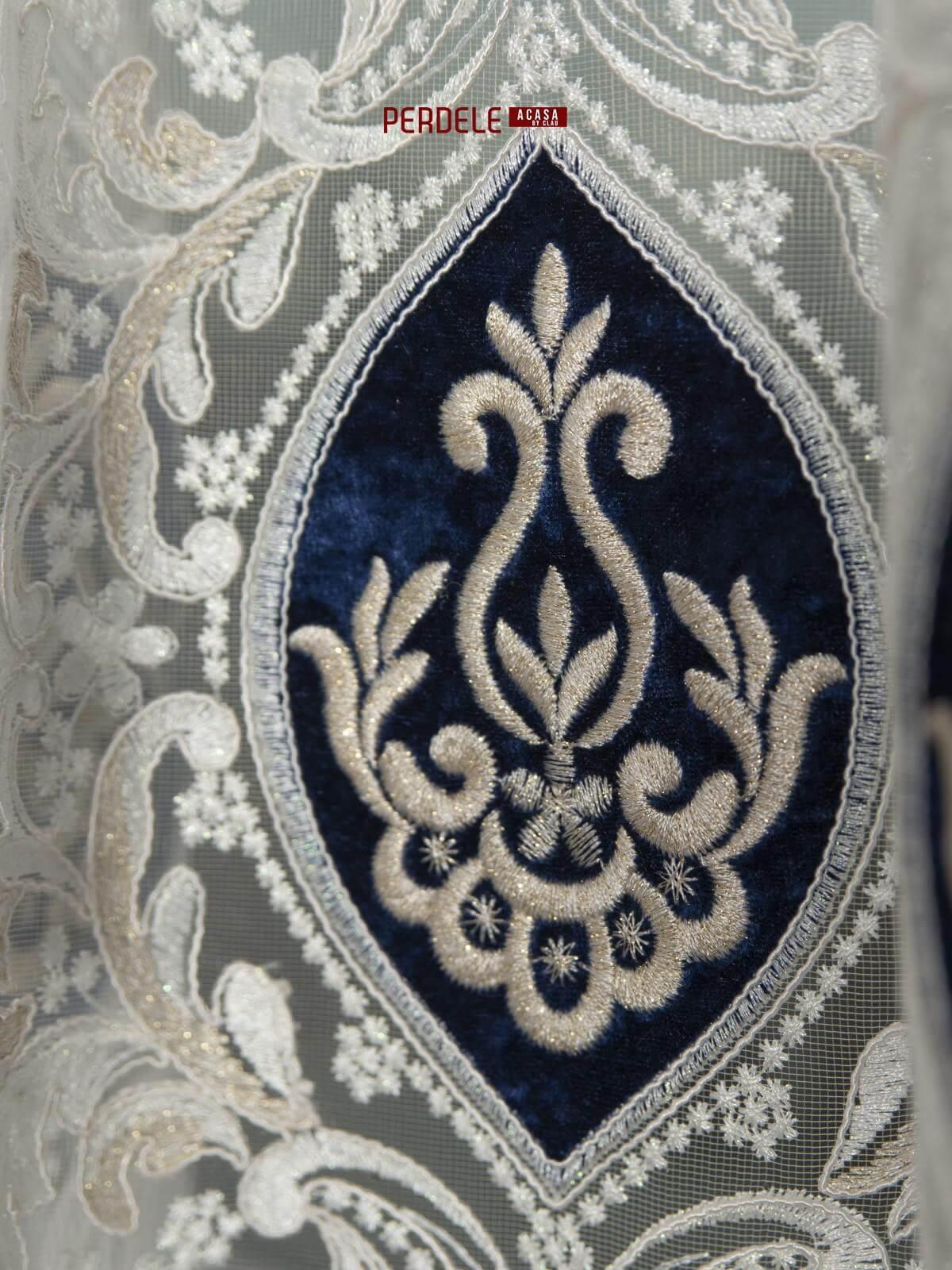 Perdea tulle ivoire/albastru
